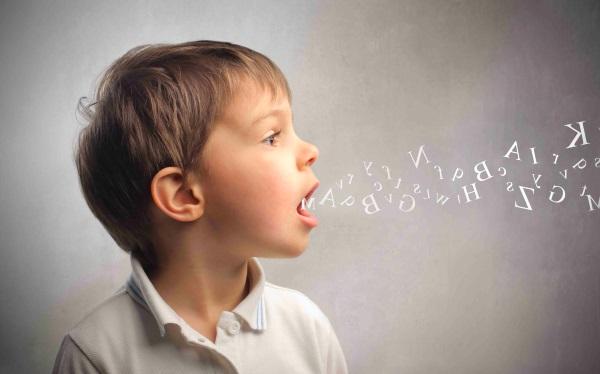 Как проявляется заикание у детей